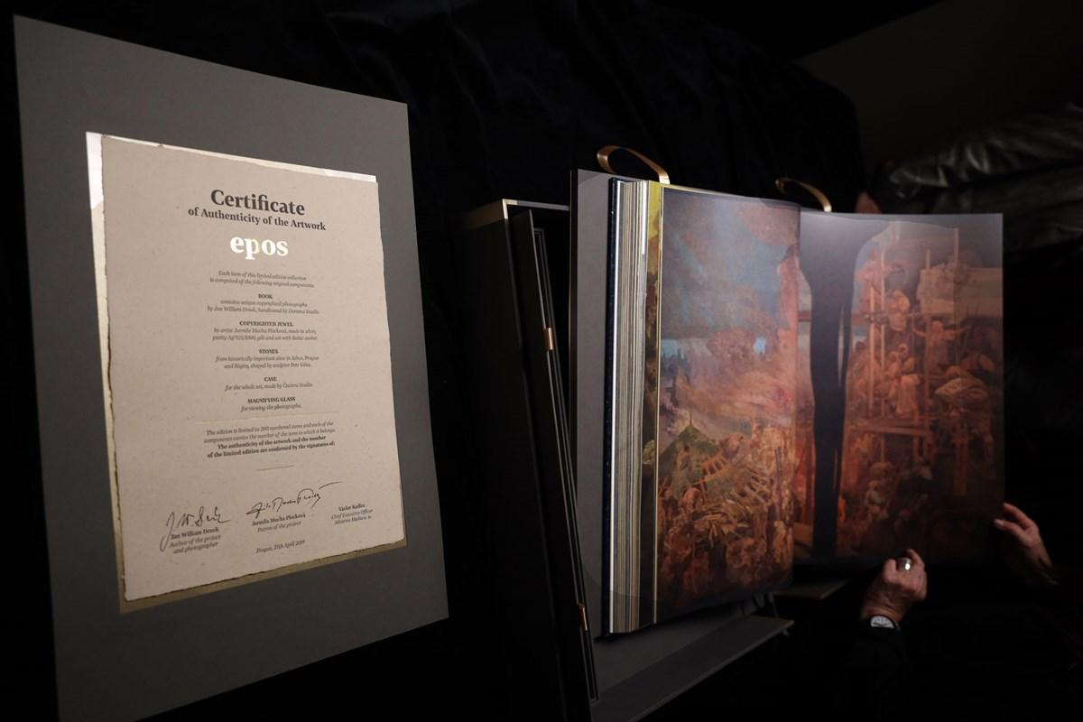 Kniha epopej s certifikátem pravosti
